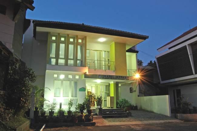 ini beberapa informasi nama hotel dan penginapan murah di Bandung