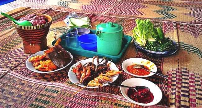 Berburu Tempat Wisata Kuliner di Bandung Murah Meriah