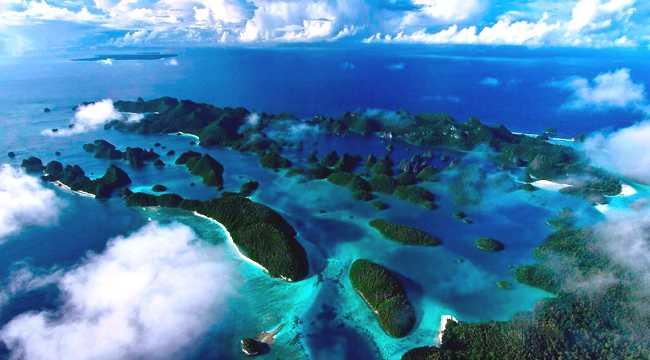 Menikmati Keindahan Pulau Raja Ampat Papua Barat