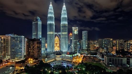 Tempat Wisata Petronas Towers Kuala Lumpur