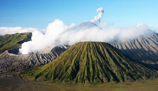 Tempat Favorit Liburan Lebaran Gunung Bromo Jawa Timur
