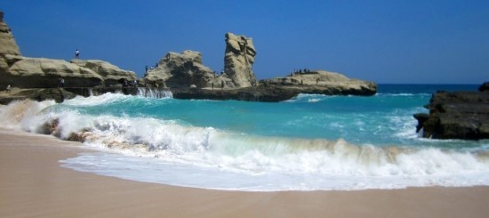 Tempat Favorit Liburan Lebaran Pantai Klayar, Pacitan Jawa Timur