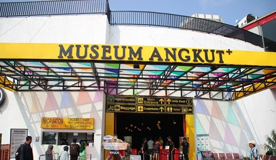 Objek Wisata Keluarga Museum Angkut Batu Malang