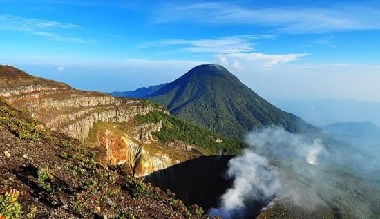 Gunung Gede Destinasi Favorit Para Pendaki