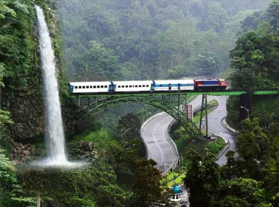 Air Terjun Lembah Anai Padang Sumatera Barat