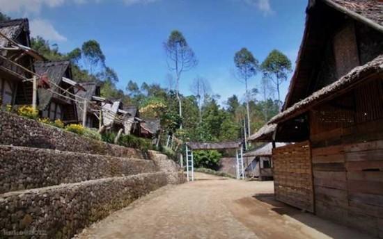 Kampung Ciptagelar Sukabumi