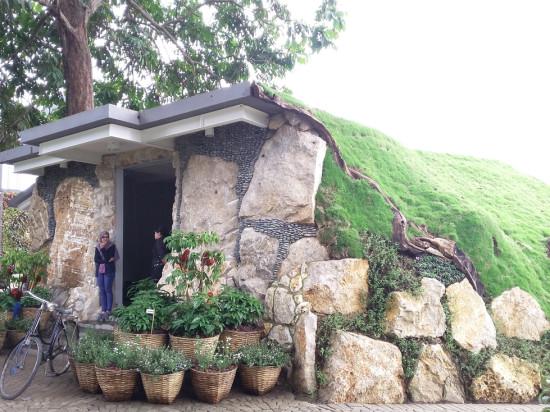 Rumah The Hobbit di Lembang