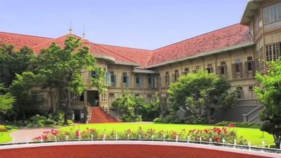 Vimanmek Mansion Tempat Wisata Museum Di Bangkok