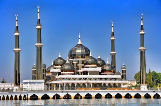 Objek Wisata Masjid Kristal Malaysia