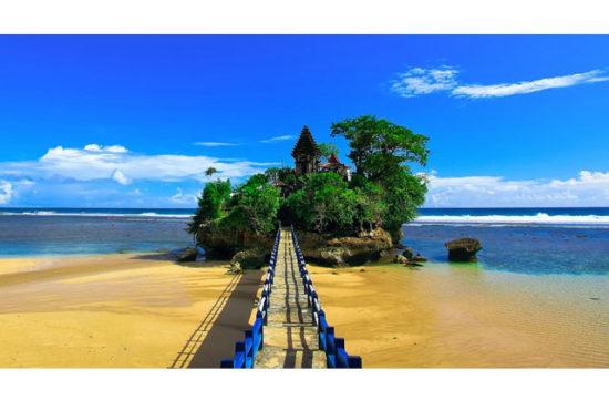 Pantai Balekambang Wisata Pantai Populer Di Malang Jatim