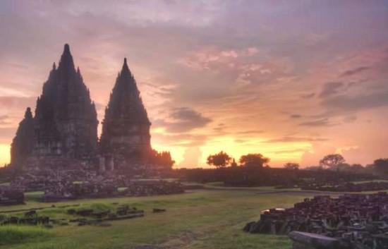 Wisata Candi Indonesia