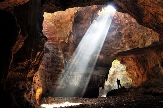 Tempat Wisata Goa Terawang Blora