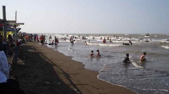 Tempat Libur Lebaran Pantai Randusanga Indah Brebes