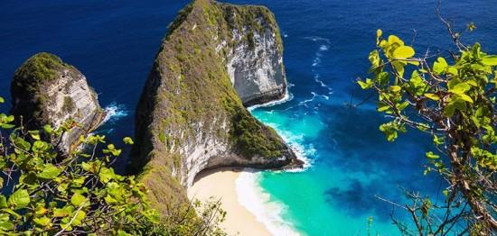 Objek Wisata Pantai Atuh Bali