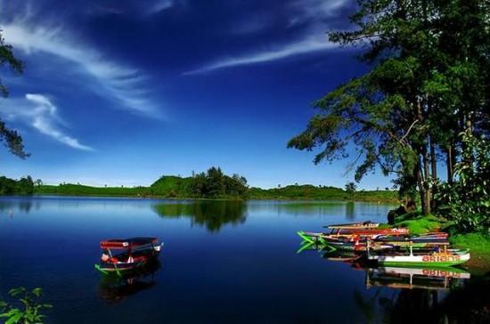 Objek Wisata Situ Patenggang Ciwidey Bandung