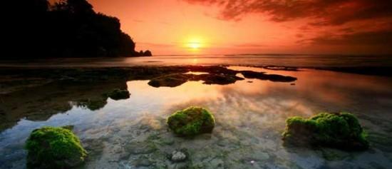 Wisata Pantai Padang Padang Bali Selatan