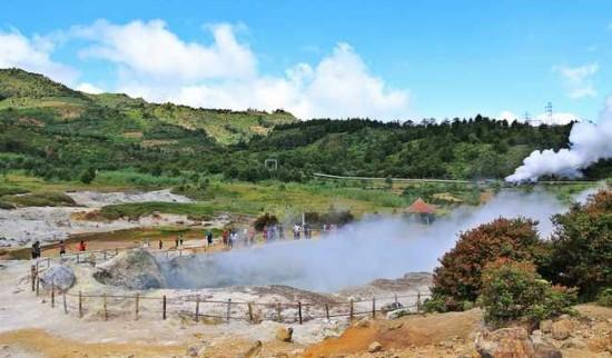 Kawah Sikidang Dieng Wonosobo