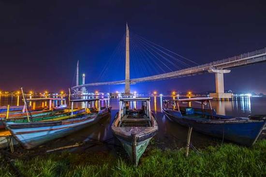 Foto Jembatan Gentala Arasy Jambi Wisata Favorit Di Jambi