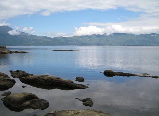 Foto Pemandangan Danau Kerinci Jambi