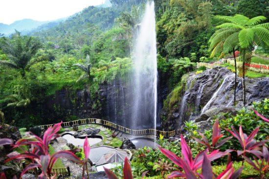 Objek Wisata Batu Raden di Purwokerto Jawa Tengah