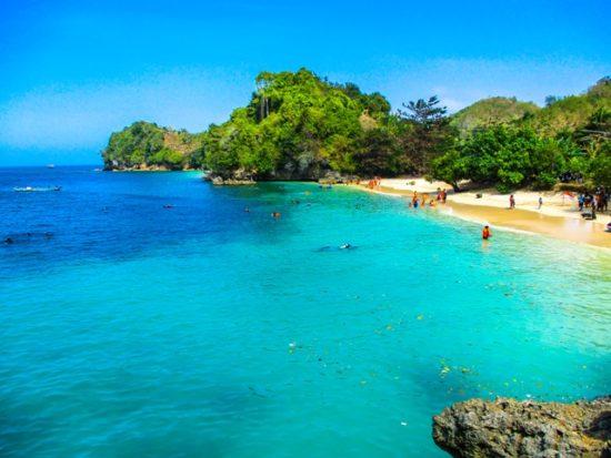Pantai Tiga Warna Wisata Pantai Populer Di Malang Jatim