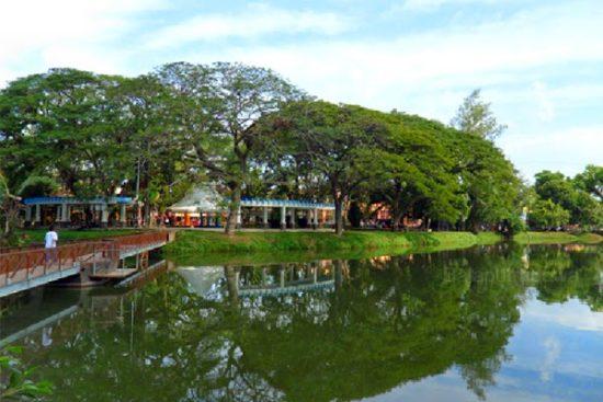 Taman Wisata Kambang Iwak Family