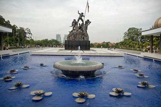 Tempat Wisata Monumen Nasional Malaysia