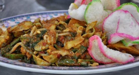 Lotek Makanan Khas Jawa Barat